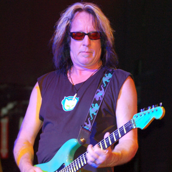 Todd_Rundgren_at_Revolution_Live_(cropped)